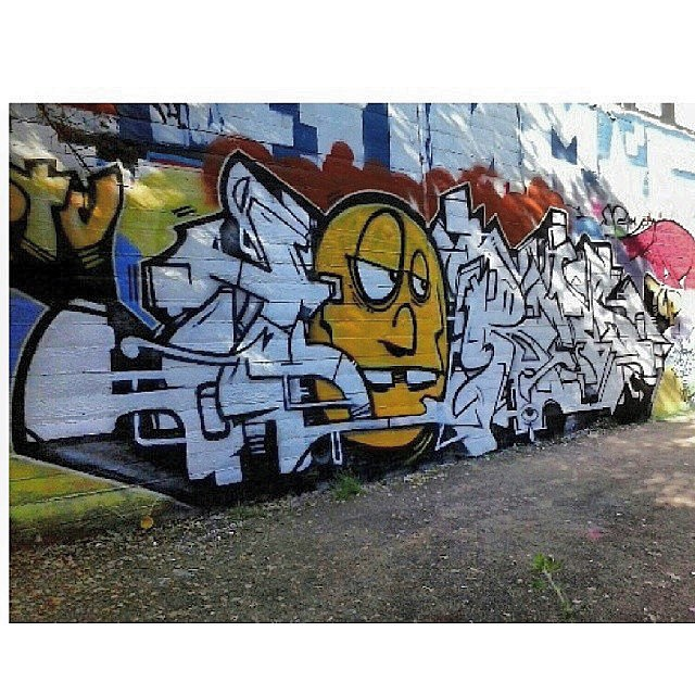 Something I did with a drunk guy named @morebeerlesswork I did the letters and of course he did the face. Done about 5 or 6 years back in Oakland. @ptvcrew
